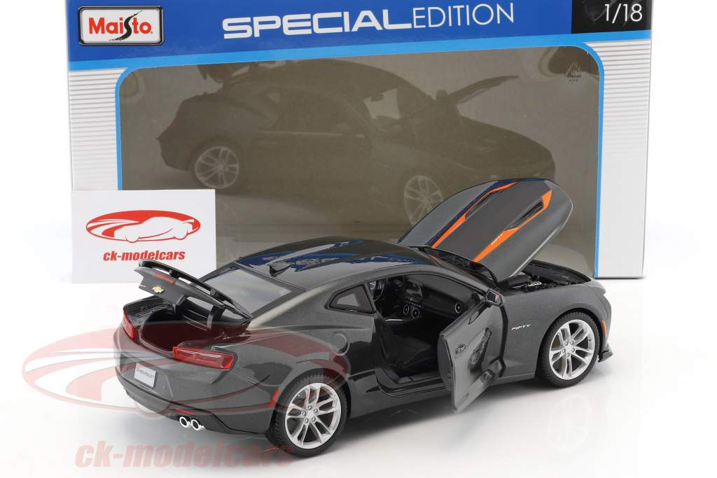 Chevrolet Camaro 50 years Edition 2017 dark gray metallic 1:18 Maisto