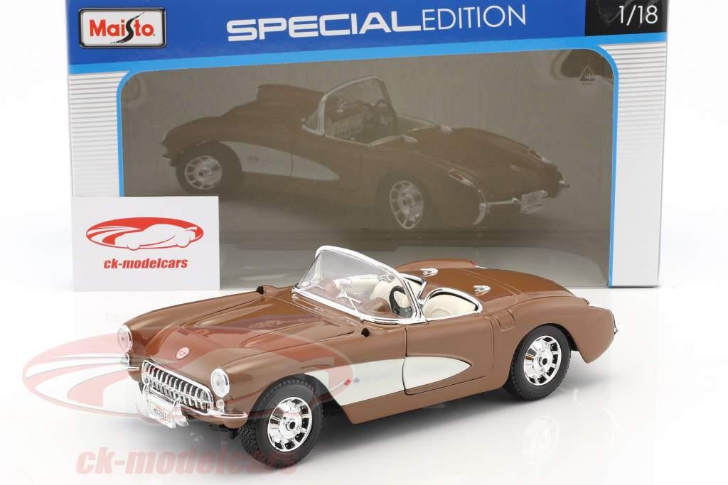 Chevrolet Corvette year 1957 brown / white 1:18 Maisto