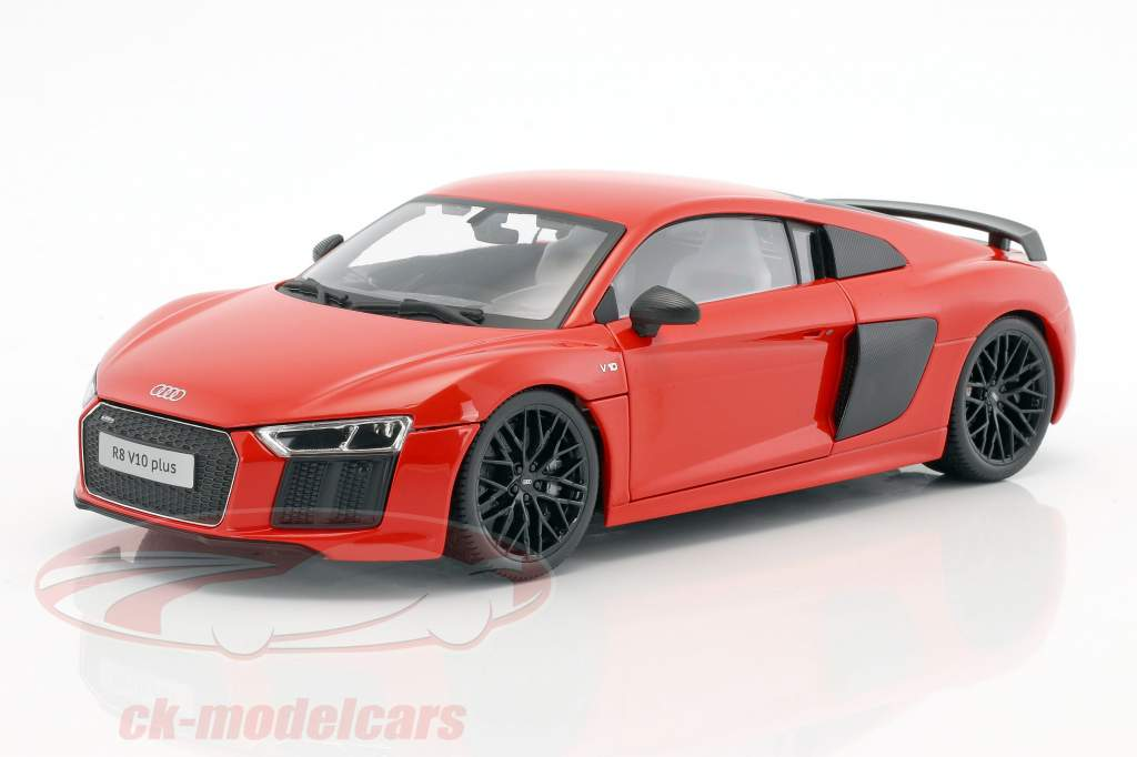 Audi R8 V10 Plus year 2015 red 1:18 Maisto
