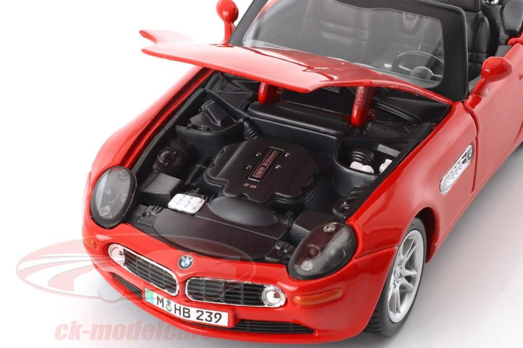 BMW Z8 rot 1:24 Maisto