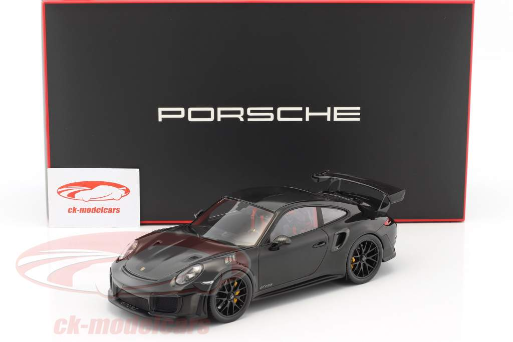 Porsche 911 (991 II) GT2 RS Weissach Package year 2017 black With Showcase 1:18 Spark