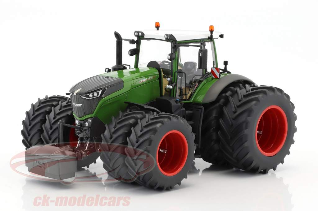 Gemeinsame A Heavyweight made light: The Fendt Vario 1050 in 1:32 #ZG_72