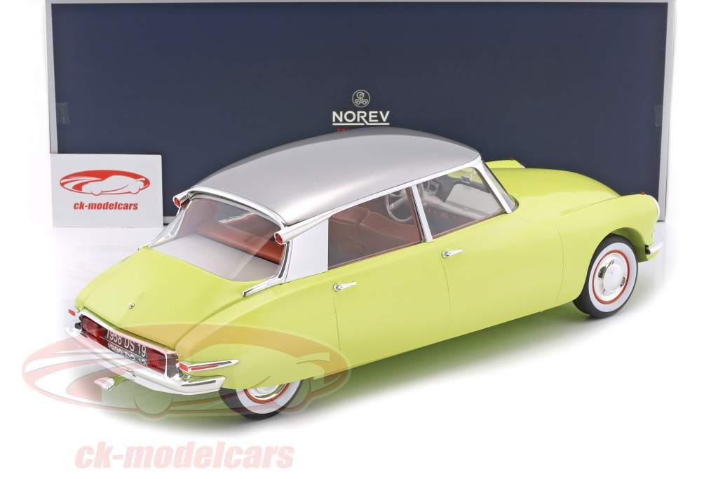 Citroen DS19 year 1958 green / Gray 1:12 Norev