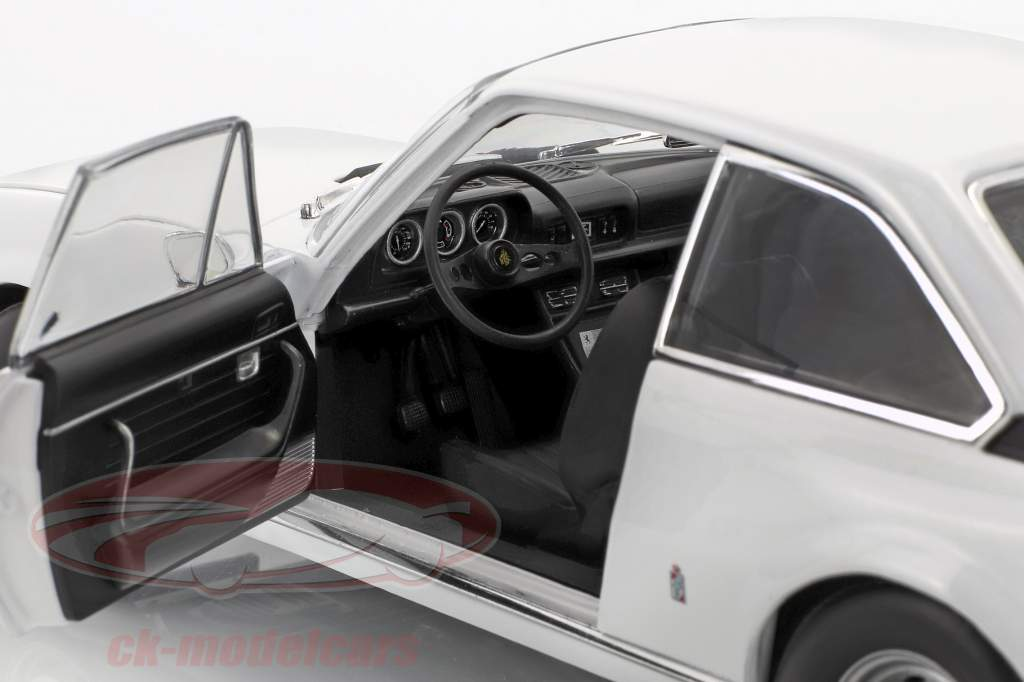 Peugeot 504 Coupe Baujahr 1969 weiß 1:18 Norev