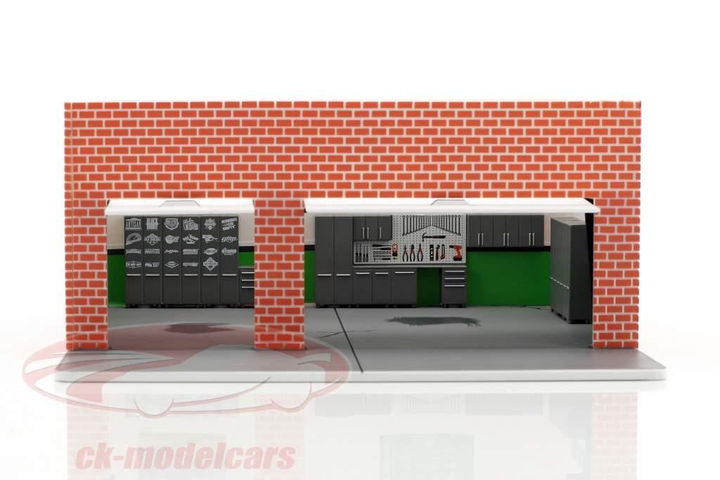 Weekend Workshop Greenlight Mechanic's Corner Series 2 1:64 Greenlight