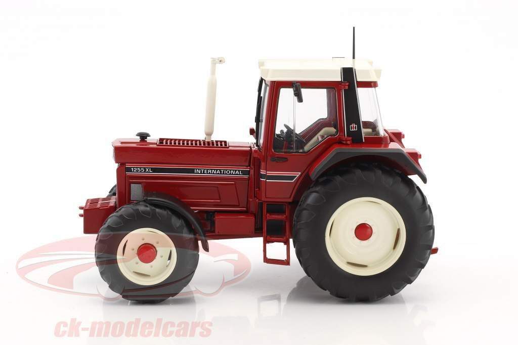 International Harvester IHC 1255XL rouge 1:32 Schuco