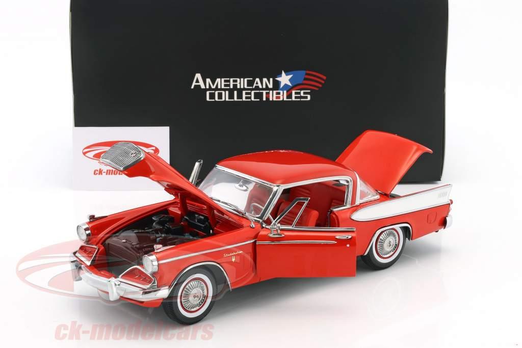 Studebaker Golden Hawk anno di costruzione 1957 Apache rosso 1:18 SunStar