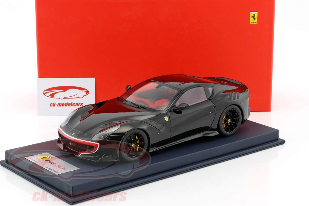 Ferrari F12 TDF anno 2015 nero / rosso / argento con vetrina 1:18 LookSmart