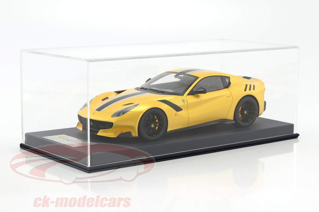 Ferrari F12 TDF year 2015 yellow / black / silver 1:18 LookSmart