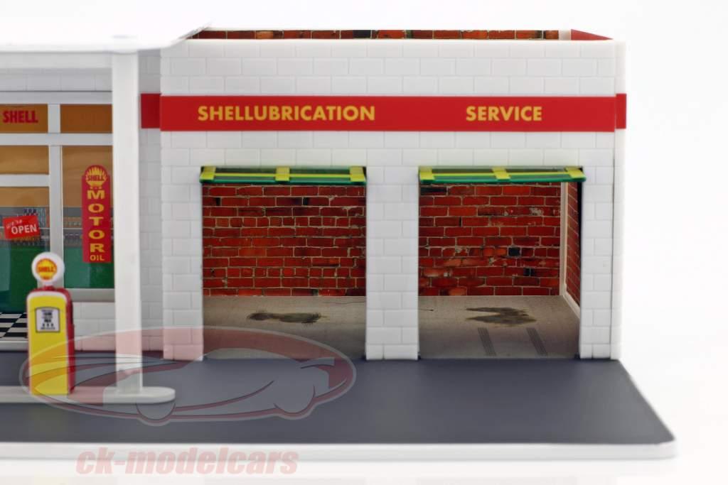 Vintage Gas Station Shell Mechanic's Corner Series 2 green version 1:64 Greenlight
