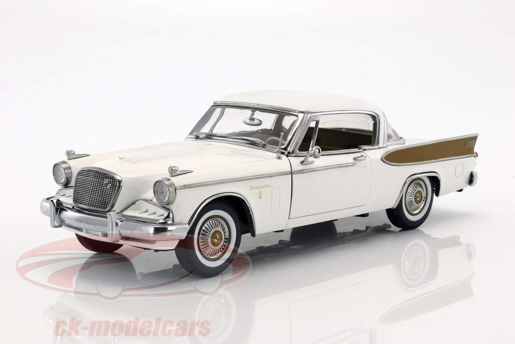 Studebaker Golden Hawk year 1957 arctic white 1:18 SunStar