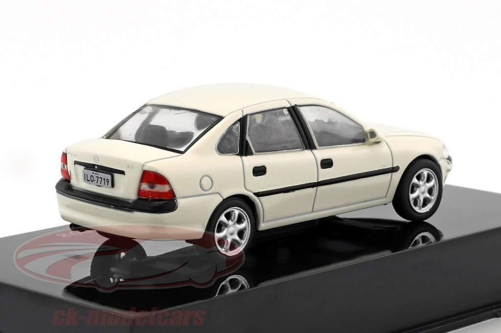 Chevrolet Vectra GLS 2.2 year 1998 white 1:43 Altaya