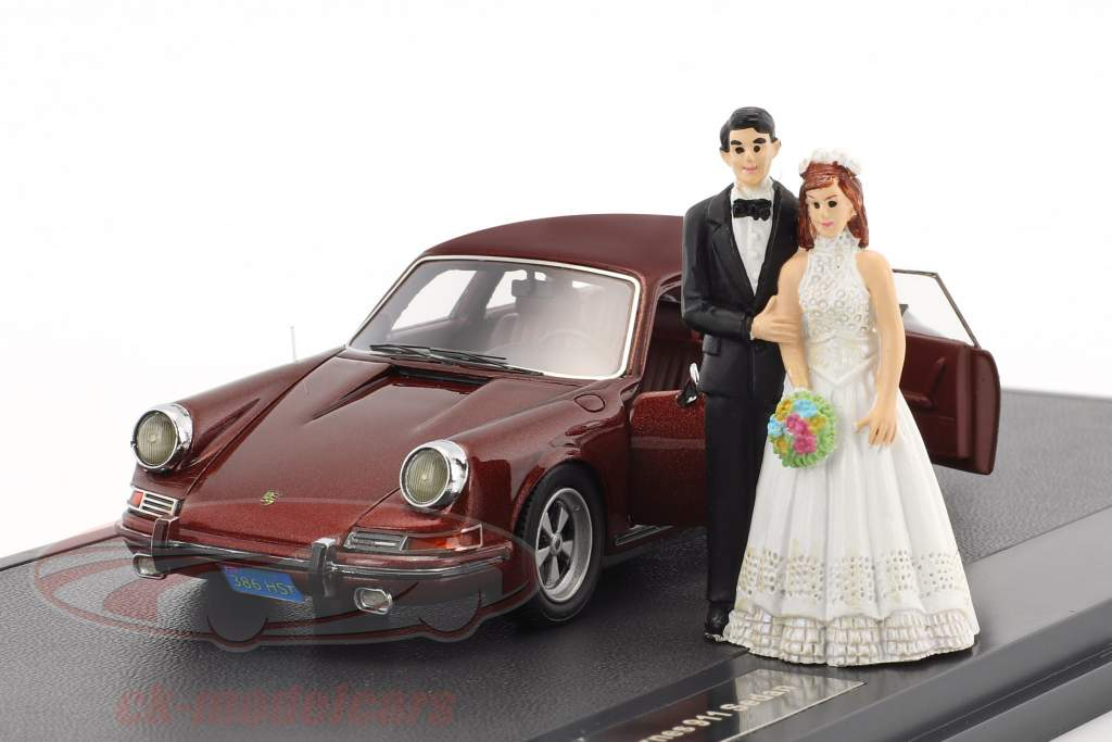 Porsche 911 Troutman and Barnes Wedding version with open doors year 1971 brown metallic 1:43 Matrix
