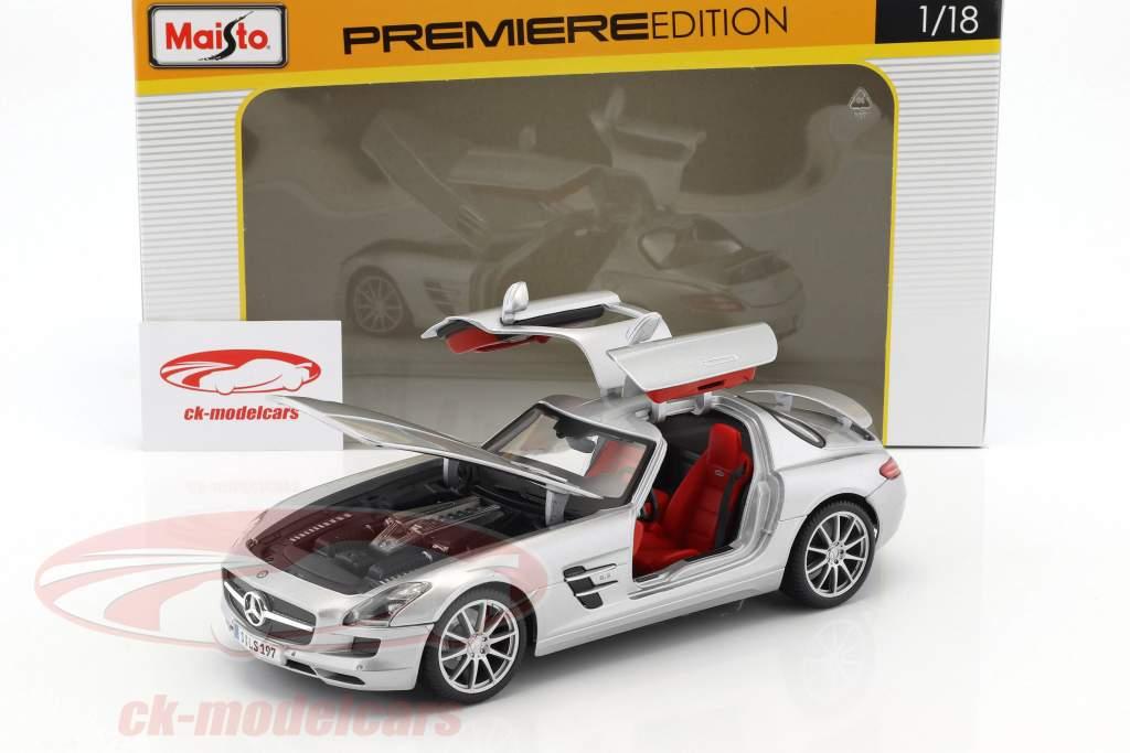 Mercedes-Benz AMG silver metallic 1:18 Maisto