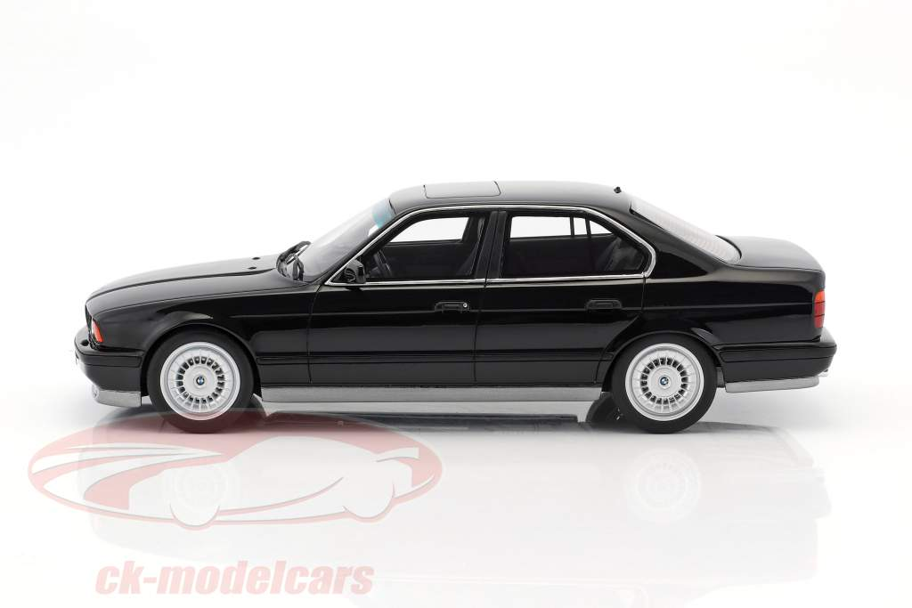 BMW E34 M5 Phase I year 1989 black 1:18 OttOmobile