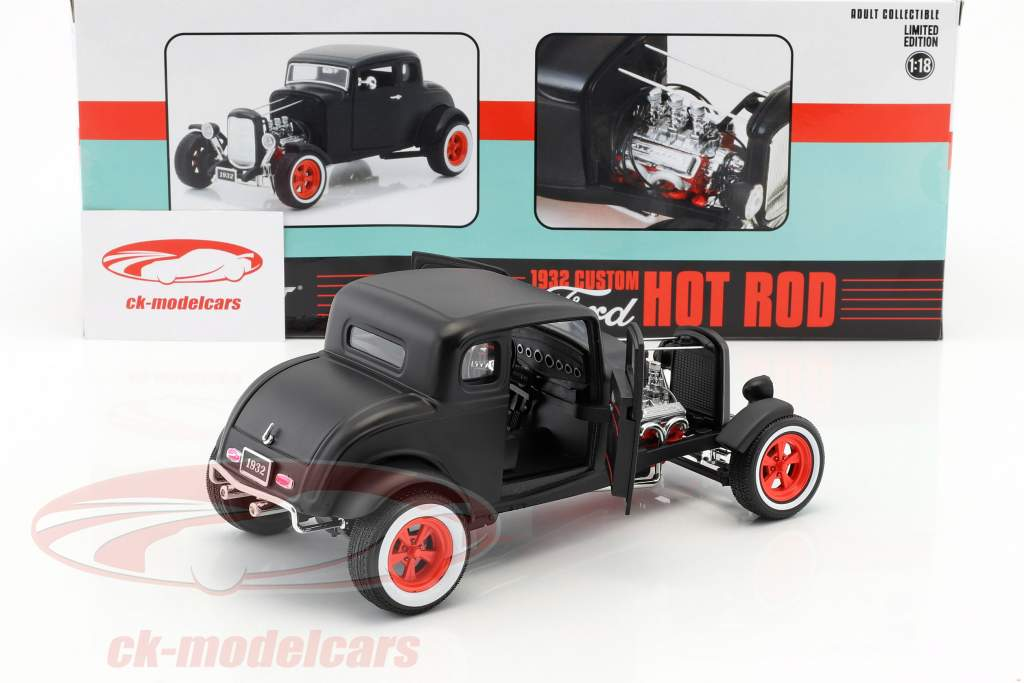 Custom Ford Hot Rod année de construction 1932 natte noir 1:18 Greenlight