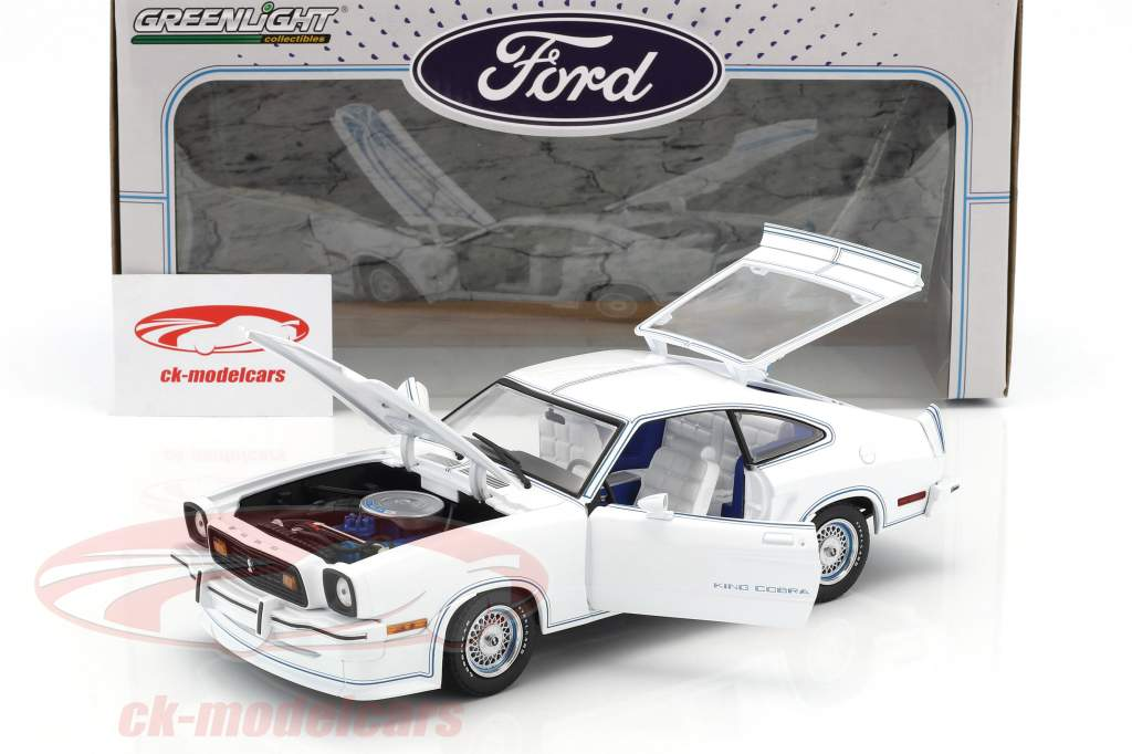 Ford Mustang II King Cobra year 1978 white / blue 1:18 Greenlight