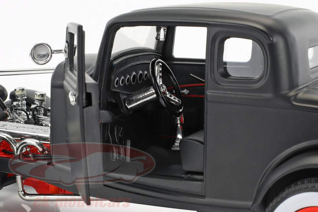 Custom Ford Hot Rod year 1932 mat black 1:18 Greenlight