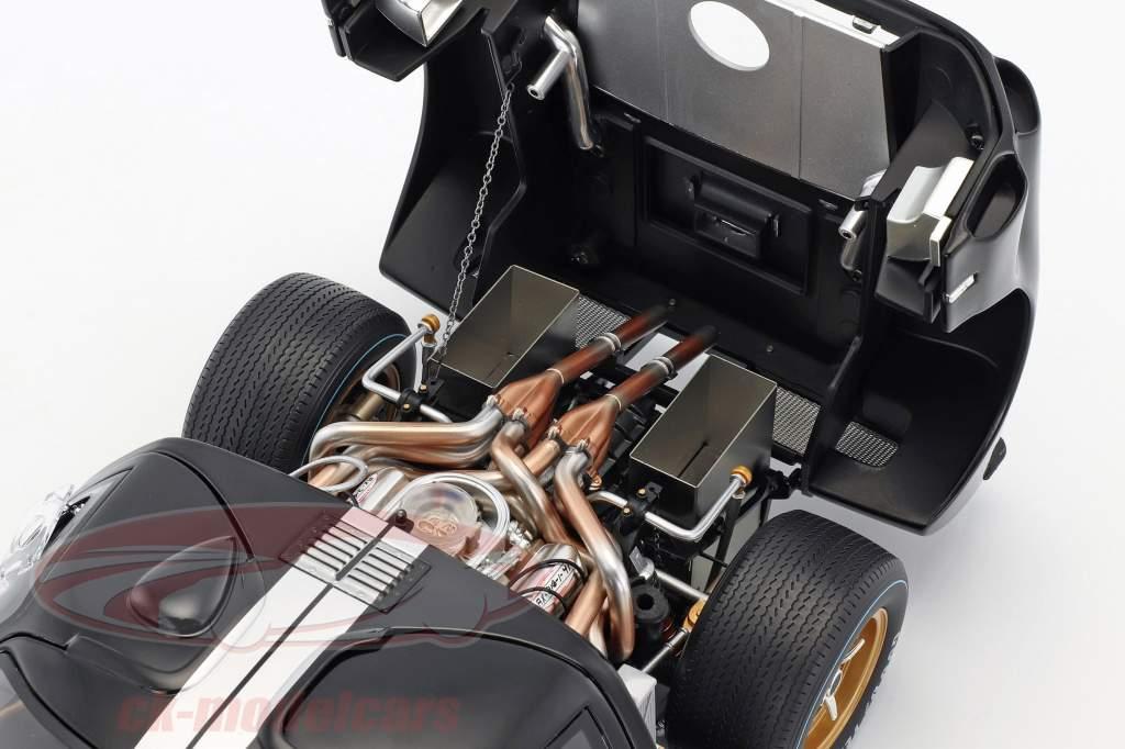 Ford GT40 MK II #2 Winner 24h LeMans 1966 McLaren, Amon 1:12 GMP
