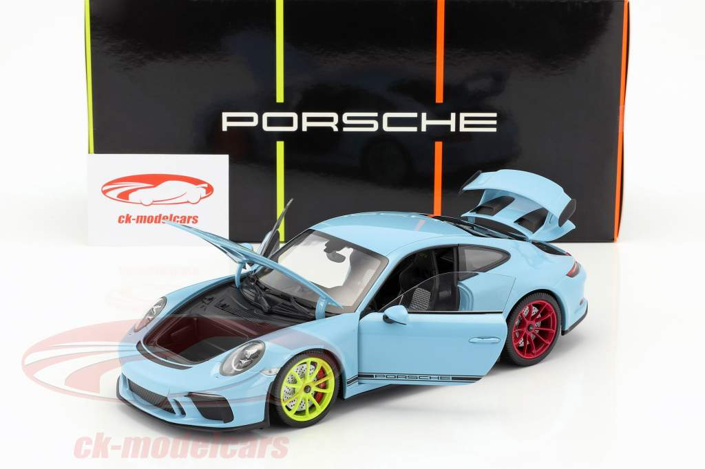 Porsche 911 (991 II) GT3 year 2018 gulf blue with different wheel colors 1:18 Minichamps