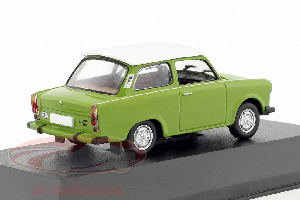Trabant 601 berline vert / blanc 1:43 Atlas