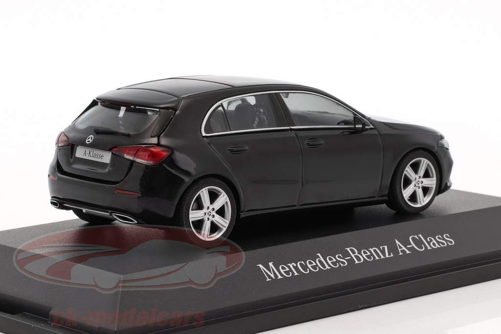 Mercedes-Benz A-Class cosmo nero metallico 1:43 Herpa