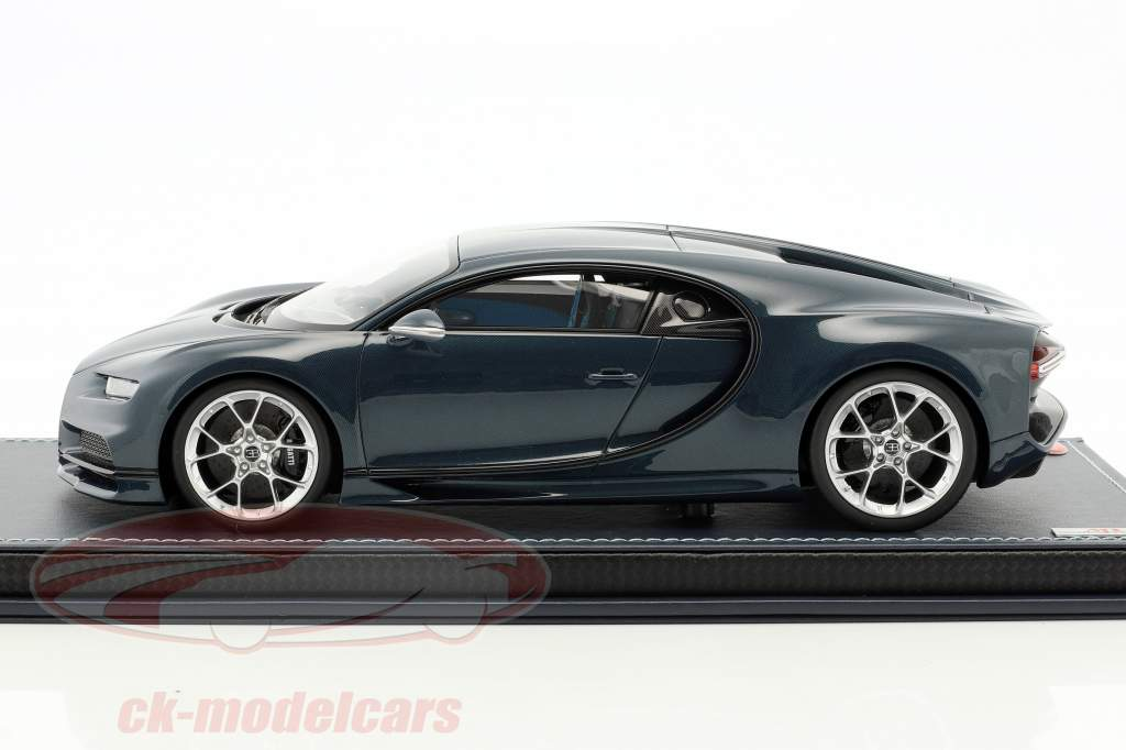 Bugatti Chiron blue carboxylic with showcase 1:18 MR Models