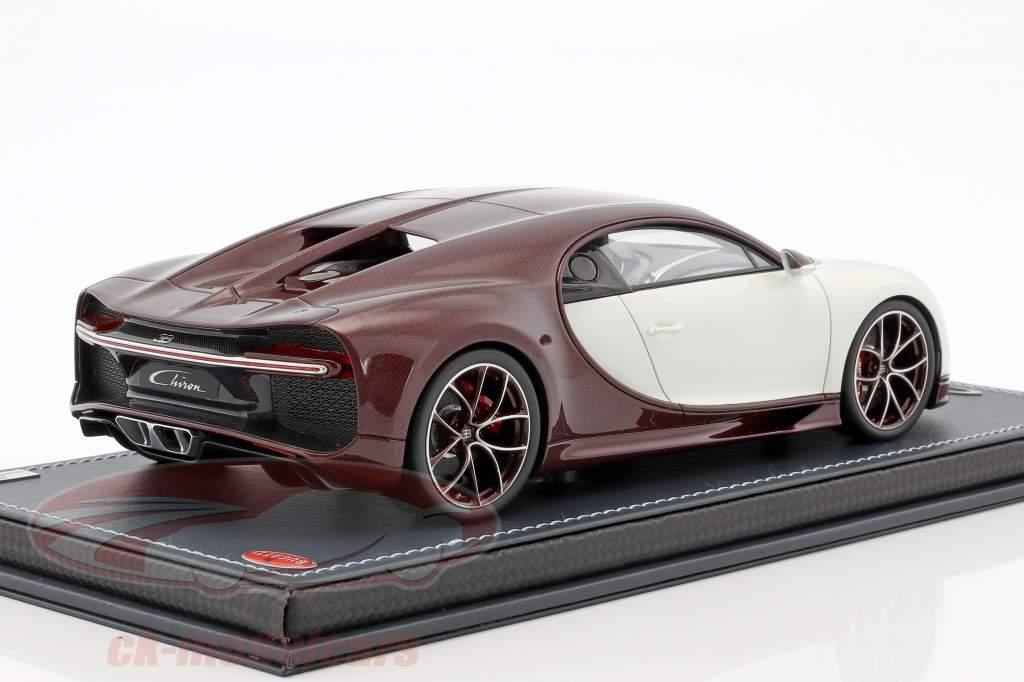 Bugatti Chiron rosso carbossilico / glacier white con vetrina 1:18 MR Models