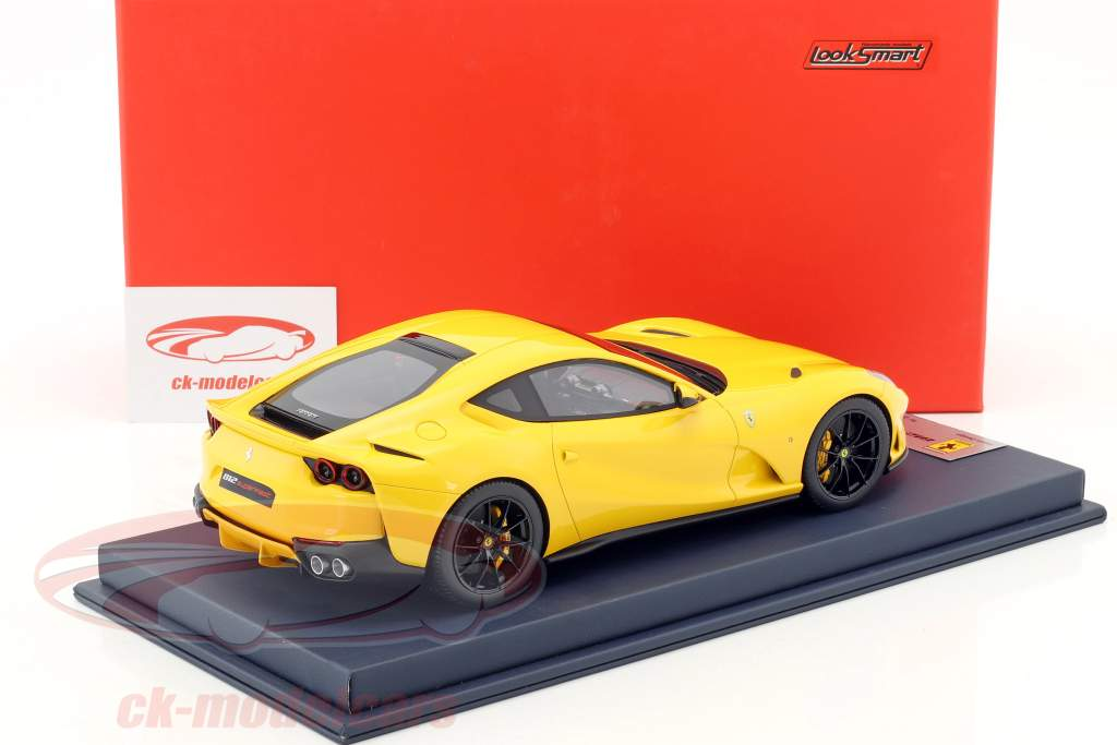 Ferrari 812 Superfast modena yellow With Showcase 1:18 LookSmart