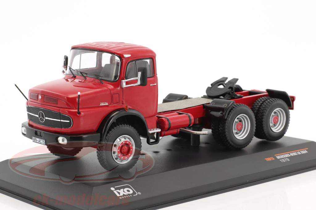 Mercedes-Benz 2624 SZM year 1979 red 1:43 Ixo