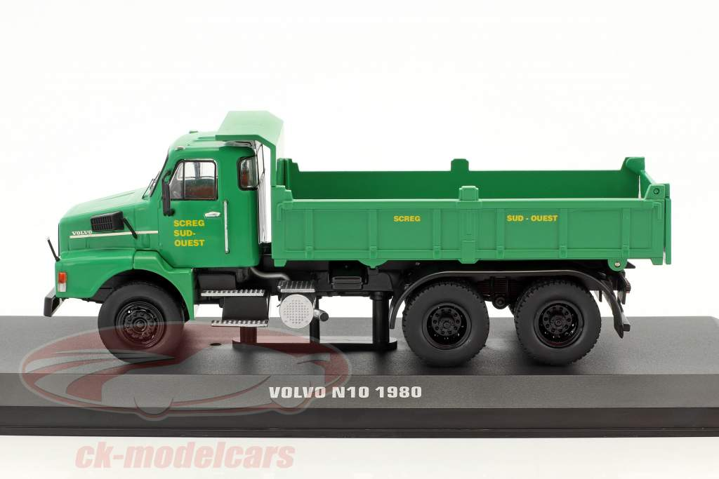 Volvo N10 Kipplaster SCREG Baujahr 1980 grün 1:43 Ixo