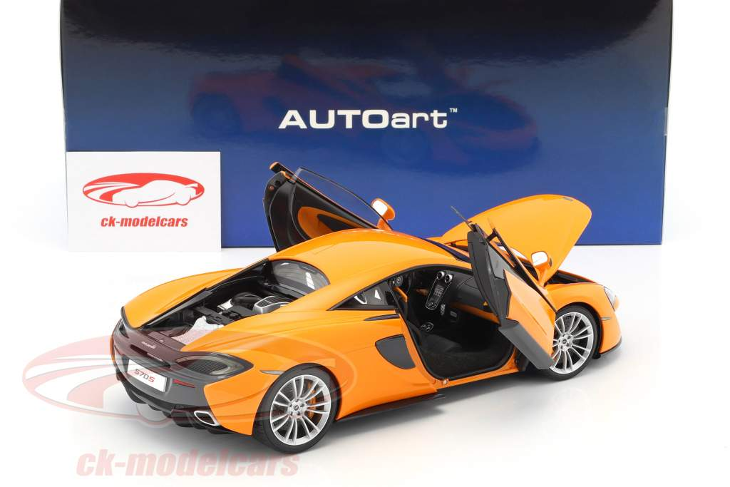 McLaren 570S year 2016 orange with silver wheels 1:18 AUTOart