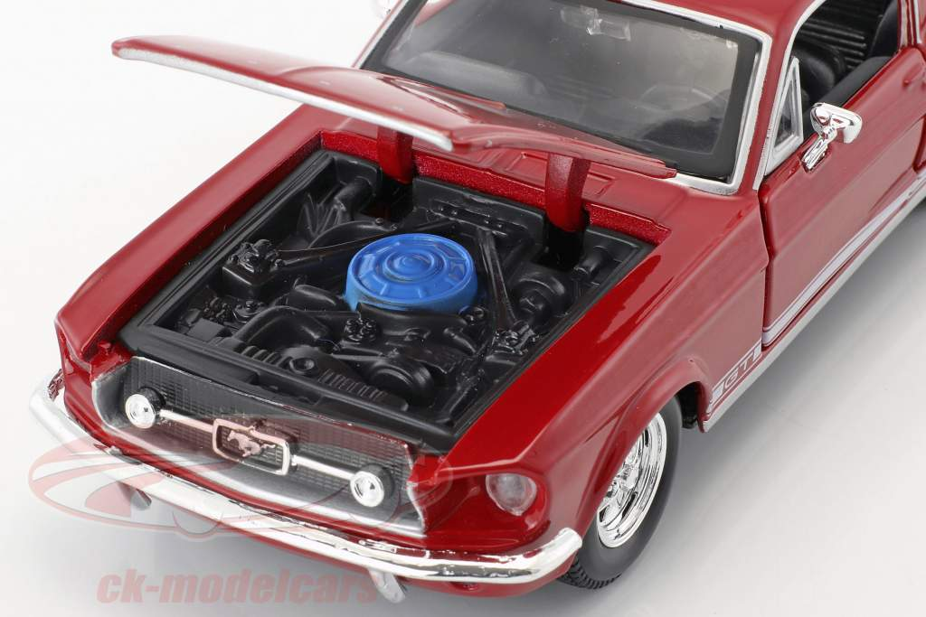 Ford Mustang GT year 1967 red 1:24 Maisto