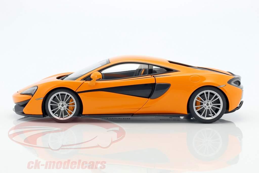 McLaren 570S Baujahr 2016 orange mit silbernen Rädern1:18 AUTOart