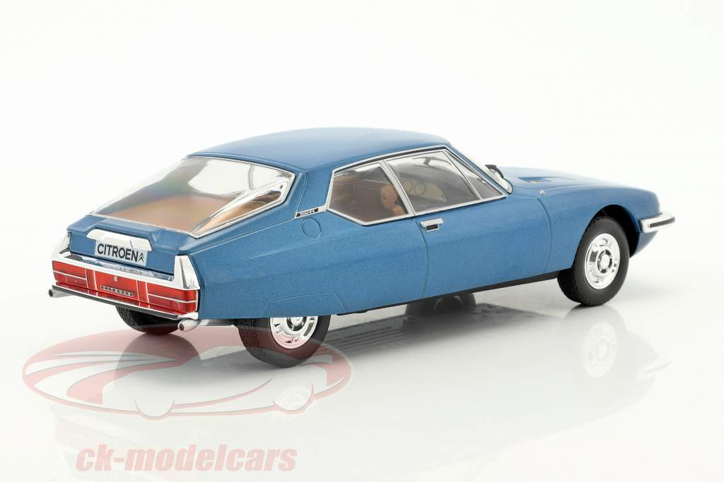 Citroen SM year 170 blue metallic 1:24 WhiteBox