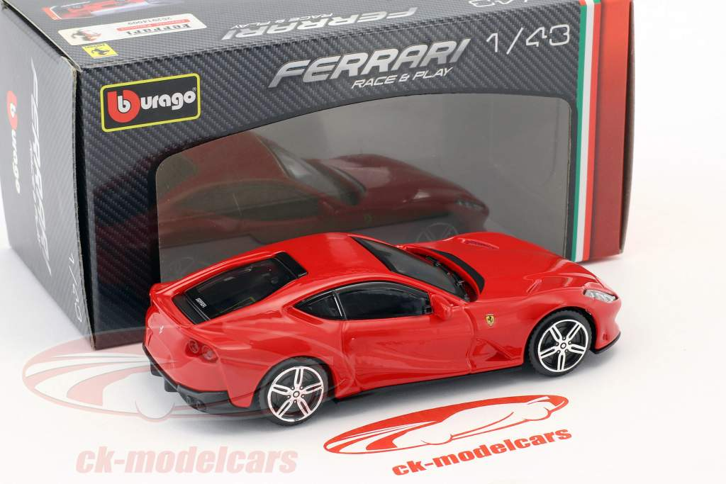 Ferrari 812 Superfast red 1:43 Bburago