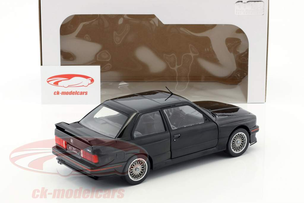BMW M3 E30 year 1990 black 1:18 Solido
