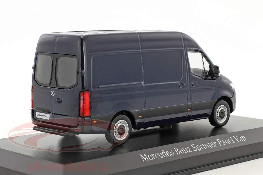 Mercedes-Benz Sprinter Kastenwagen cavansitblau metallic 1:43 Norev