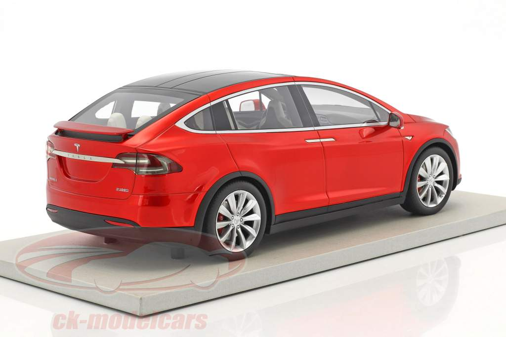 Tesla Model X year 2016 red metallic 1:18 LS Collectibles