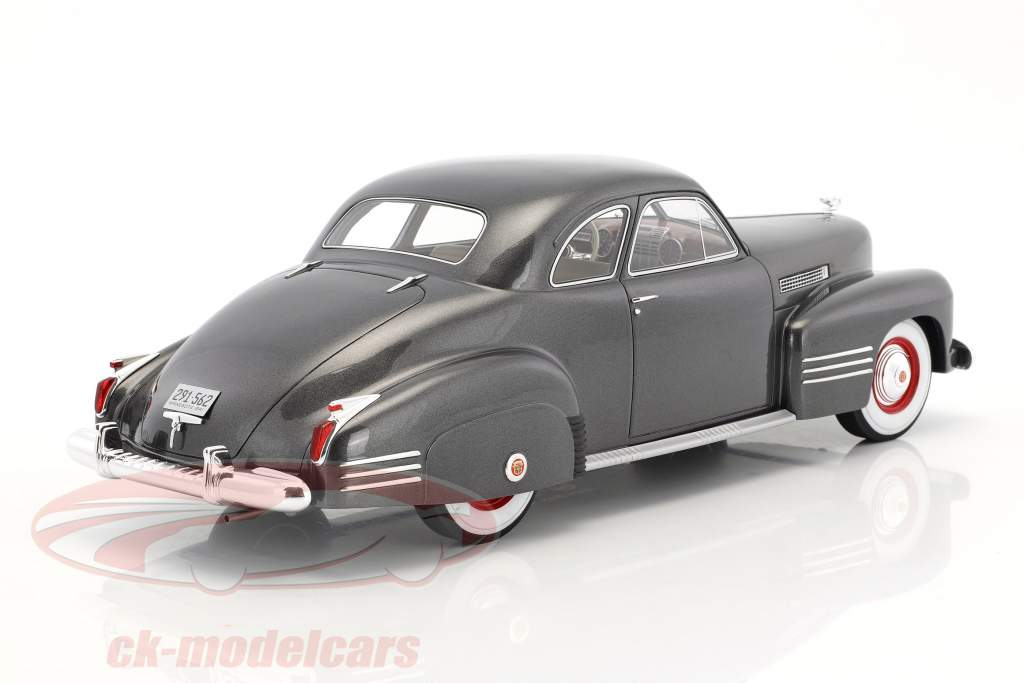 Cadillac Series 62 Club Coupe year 1941 dark gray metallic 1:18 BoS-Models