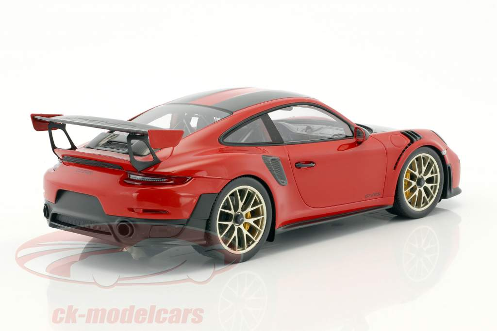 Porsche 911 (991 II) GT2 RS Weissach Package guards red with showcase and GT2 RS Cap 1:18 Spark