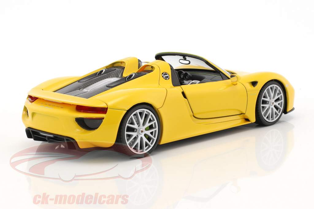 Porsche 918 Spyder courses jaune 1:24 Welly