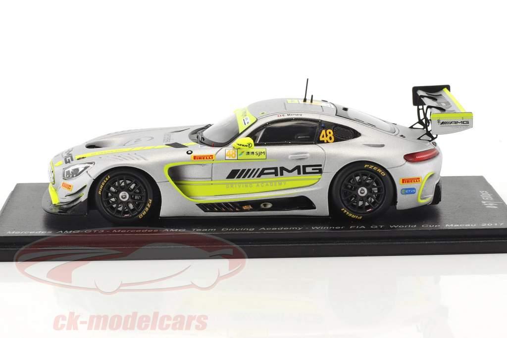 Mercedes-Benz AMG GT3 #48 gagnant FIA GT World Cup Macau 2017 Edoardo Mortara 1:43 Spark