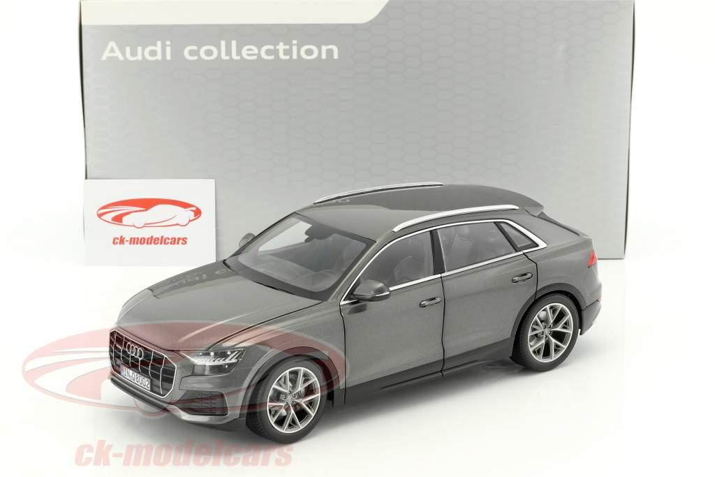 Audi Q8 Baujahr 2018 samuraigrau 1:18 Norev