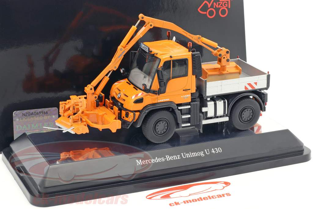 Mercedes-Benz Unimog U 400 / Mulag MKM 700 with wower orange 1:50 NZG