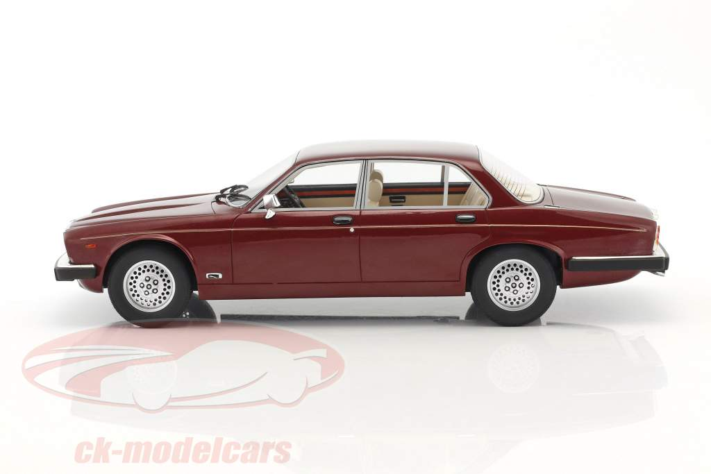 Jaguar XJ Series III year 1983 red metallic 1:18 Cult Scale