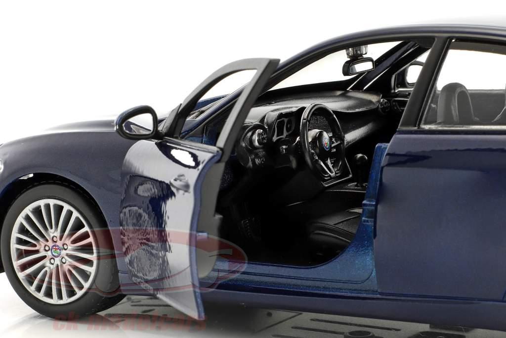 Alfa Romeo Giulia Baujahr 2016 blau metallic 1:24 Bburago
