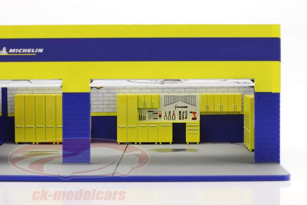 Weekend Workshop Michelin Tires Mechanic's Corner Series III 1:64 Greenlight