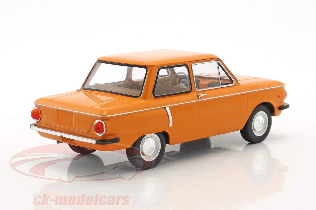ZAZ 966 Baujahr 1966 orange 1:18 Model Car Group