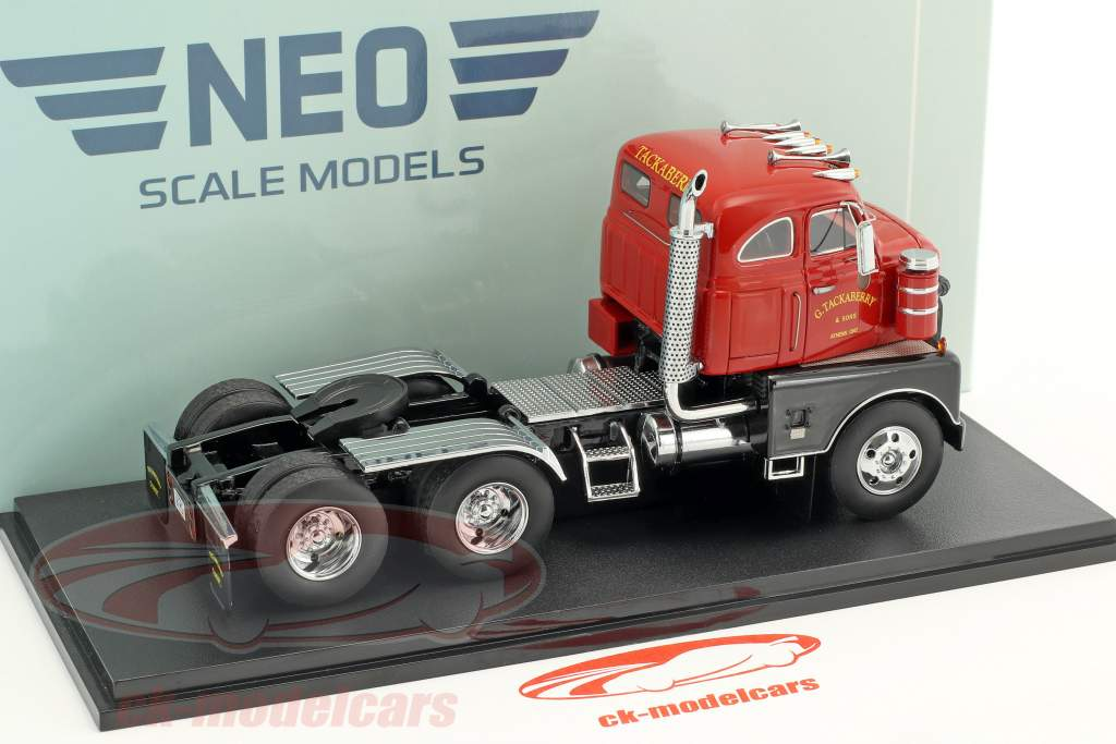 International Harvester RDC 405 Baujahr 1952 rot 1:43 Neo